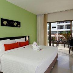 Отель Deevana Plaza Phuket 4* Улучшенный номер с различными типами кроватей фото 3