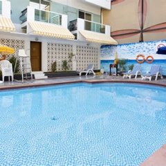 Fortune Karama Hotel бассейн фото 3
