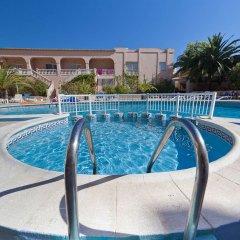 OK Hotel Bay Ibiza бассейн