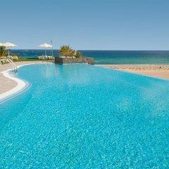 Отель Iberostar Playa Gaviotas - All Inclusive открытый бассейн
