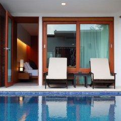 Отель La Flora Resort Patong терраса/патио фото 3
