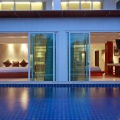 Отель La Flora Resort Patong терраса/патио фото 6