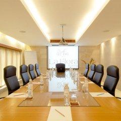 Отель La Flora Resort Patong конференц-зал