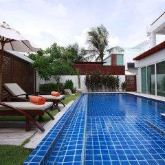 Отель La Flora Resort Patong терраса/патио фото 4