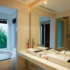 Отель La Flora Resort Patong раковина ванной комнаты
