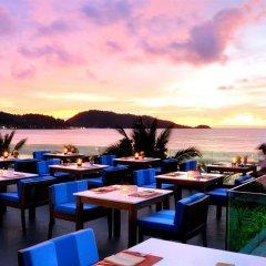 Отель La Flora Resort Patong столовая на открытом воздухе фото 2