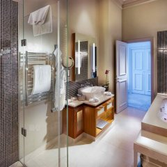Отель The Grand Mark Prague ванная