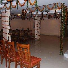 Отель Hanuwant Palace Индия, Нью-Дели - 1 отзыв об отеле, цены и фото номеров - забронировать отель Hanuwant Palace онлайн бассейн