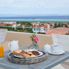 Отель Daphne Holiday Club Греция, Халкидики - 1 отзыв об отеле, цены и фото номеров - забронировать отель Daphne Holiday Club онлайн питание фото 2