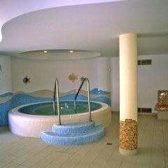 Отель Kalma superior Венгрия, Хевиз - 1 отзыв об отеле, цены и фото номеров - забронировать отель Kalma superior онлайн бассейн фото 2