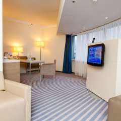 Гостиница Холидей Инн Московские ворота комната для гостей фото 5