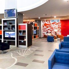 Гостиница Холидей Инн Московские ворота библиотека