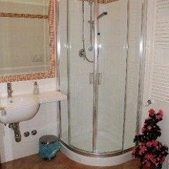Отель Domus Romana Италия, Рим - отзывы, цены и фото номеров - забронировать отель Domus Romana онлайн ванная