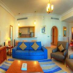 Отель Royal Club at Palm Jumeirah Апартаменты с различными типами кроватей