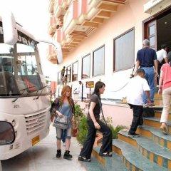 Hotel Glitz городской автобус