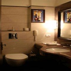 Отель Green Valley(Nehru Place) - Boutique Hotel Индия, Нью-Дели - отзывы, цены и фото номеров - забронировать отель Green Valley(Nehru Place) - Boutique Hotel онлайн ванная