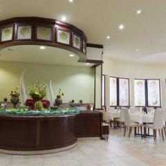 Отель Club Hotel Flora Park Болгария, Солнечный берег - отзывы, цены и фото номеров - забронировать отель Club Hotel Flora Park онлайн питание фото 2