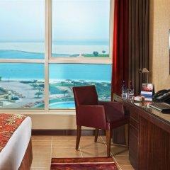 Отель Khalidiya Palace Rayhaan by Rotana удобства в номере