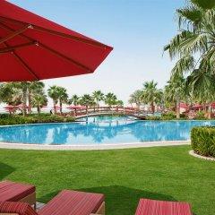 Отель Khalidiya Palace Rayhaan by Rotana открытый бассейн