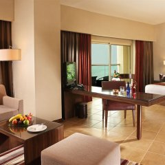 Отель Khalidiya Palace Rayhaan by Rotana комната для гостей фото 10