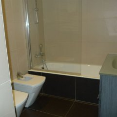 Отель Apartamentos Okendo Сан-Себастьян ванная фото 2