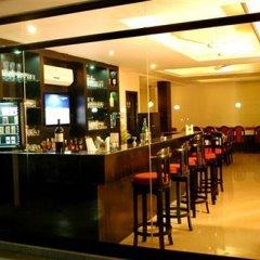 Отель Emerald Garden гостиничный бар