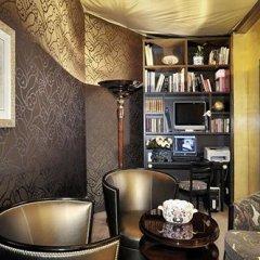 Отель Hôtel des Champs-Elysées Франция, Париж - отзывы, цены и фото номеров - забронировать отель Hôtel des Champs-Elysées онлайн удобства в номере фото 2