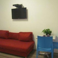 Отель Dizengoff Sea Residence Тель-Авив комната для гостей фото 2