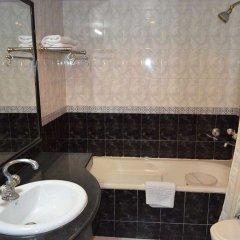 Отель Grand Sartaj Hotel Индия, Нью-Дели - отзывы, цены и фото номеров - забронировать отель Grand Sartaj Hotel онлайн ванная