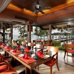 Отель The Vijitt Resort Phuket ресторан