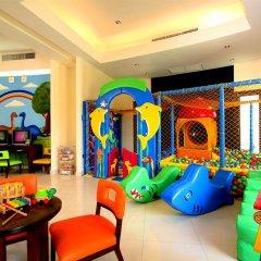 Отель The Vijitt Resort Phuket закрытая детская игровая площадка