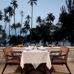 Отель The Vijitt Resort Phuket ресторан фото 3