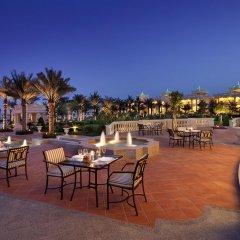 Kempinski Hotel & Residences Palm Jumeirah столовая на открытом воздухе фото 2