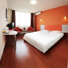 Отель Motel 168 Guangzhou Dadao Inn комната для гостей