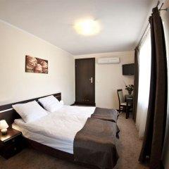 Отель Villa Pallas сейф в номере