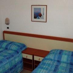 Отель ESSEN Римини сейф в номере
