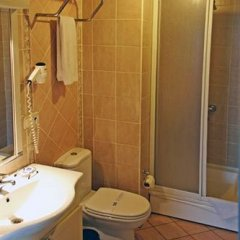 Uzun Jolly Hotel Турция, Анкара - отзывы, цены и фото номеров - забронировать отель Uzun Jolly Hotel онлайн ванная фото 2