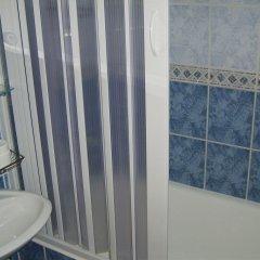 Отель Lyon Apartments Черногория, Будва - отзывы, цены и фото номеров - забронировать отель Lyon Apartments онлайн ванная