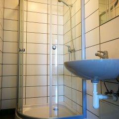 Отель Hostel Tallinn Эстония, Таллин - 11 отзывов об отеле, цены и фото номеров - забронировать отель Hostel Tallinn онлайн ванная фото 2