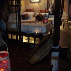 Отель Room Club The Bed Suite питание фото 2