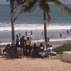 Отель Moree Beach Resort Гана, Мори - отзывы, цены и фото номеров - забронировать отель Moree Beach Resort онлайн пляж фото 2