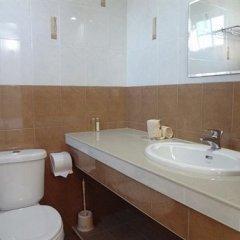 Отель Airport Alba Inn Мальдивы, Северный атолл Мале - отзывы, цены и фото номеров - забронировать отель Airport Alba Inn онлайн ванная фото 2