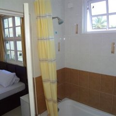 Отель Airport Alba Inn Мальдивы, Северный атолл Мале - отзывы, цены и фото номеров - забронировать отель Airport Alba Inn онлайн ванная