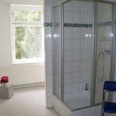 Отель B&B Hostel Elisa Германия, Лейпциг - отзывы, цены и фото номеров - забронировать отель B&B Hostel Elisa онлайн ванная