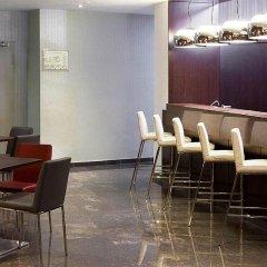 Отель NH Barcelona Diagonal Center гостиничный бар