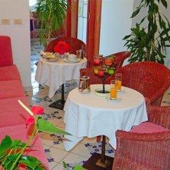 Отель Meublè Piccolo Paradiso питание фото 3
