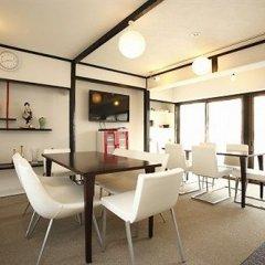 Отель Khaosan Tokyo Samurai Токио комната для гостей