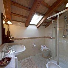Отель Locanda Il Girasole Италия, Камерано - отзывы, цены и фото номеров - забронировать отель Locanda Il Girasole онлайн ванная