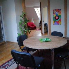 Гостиница Hostel Family House Украина, Львов - 7 отзывов об отеле, цены и фото номеров - забронировать гостиницу Hostel Family House онлайн балкон