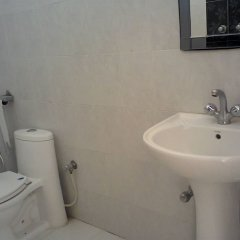 Corbett Comfortable Resort in Pangot, India from 81$, photos, reviews - zenhotels.com bathroom